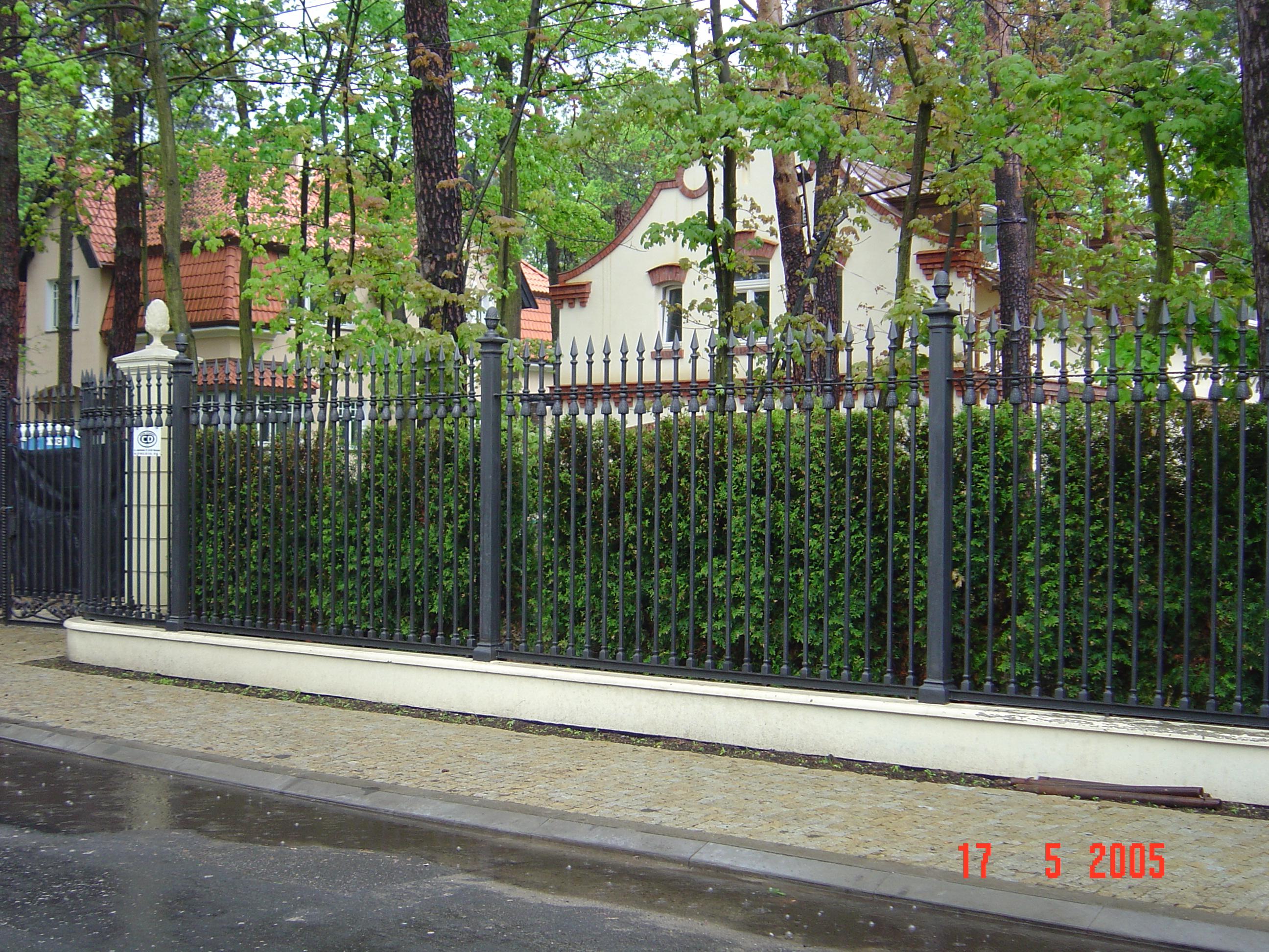 gate-257-fence-b
