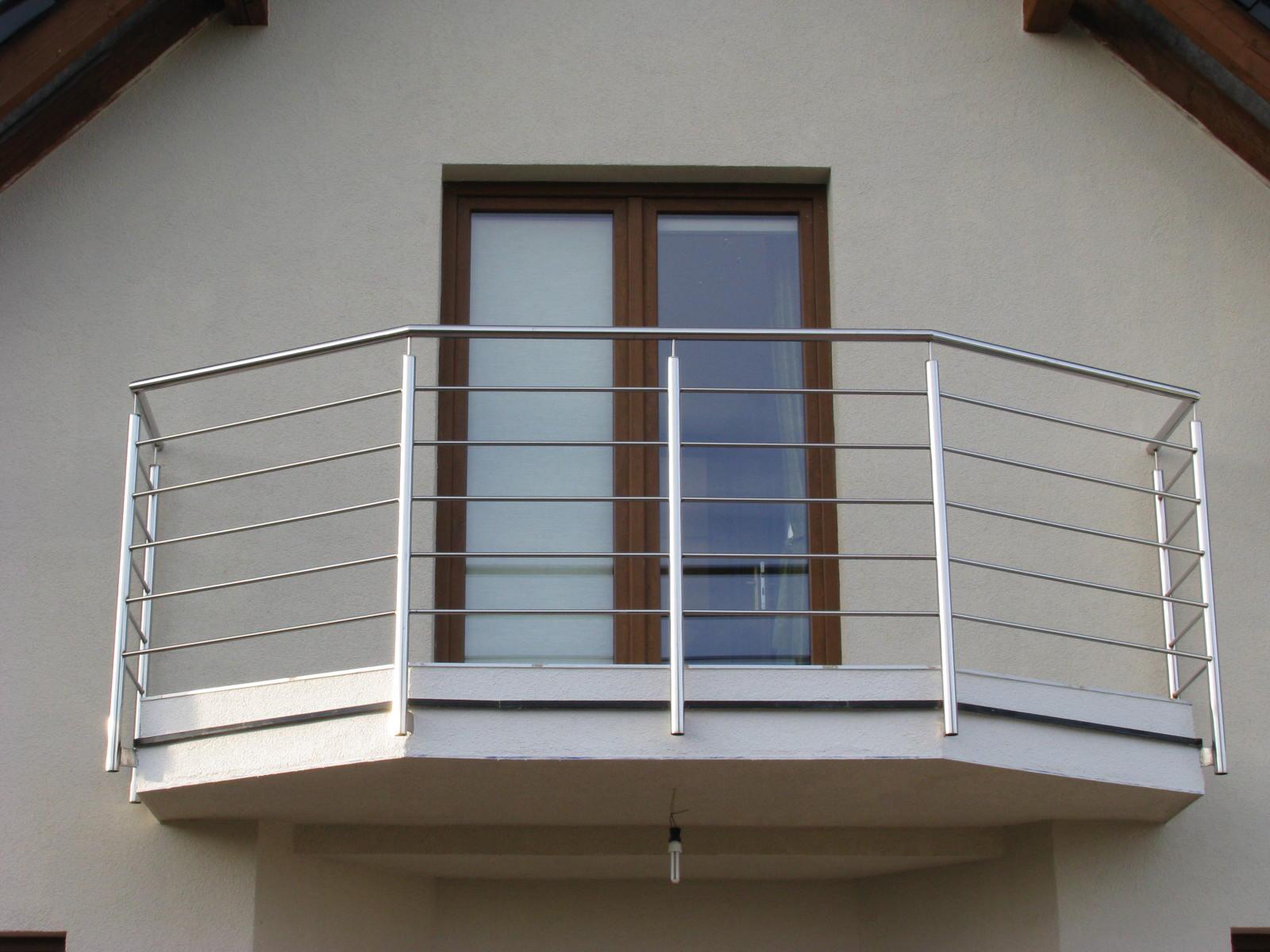 balkony-ze-stali-nierdzewnej
